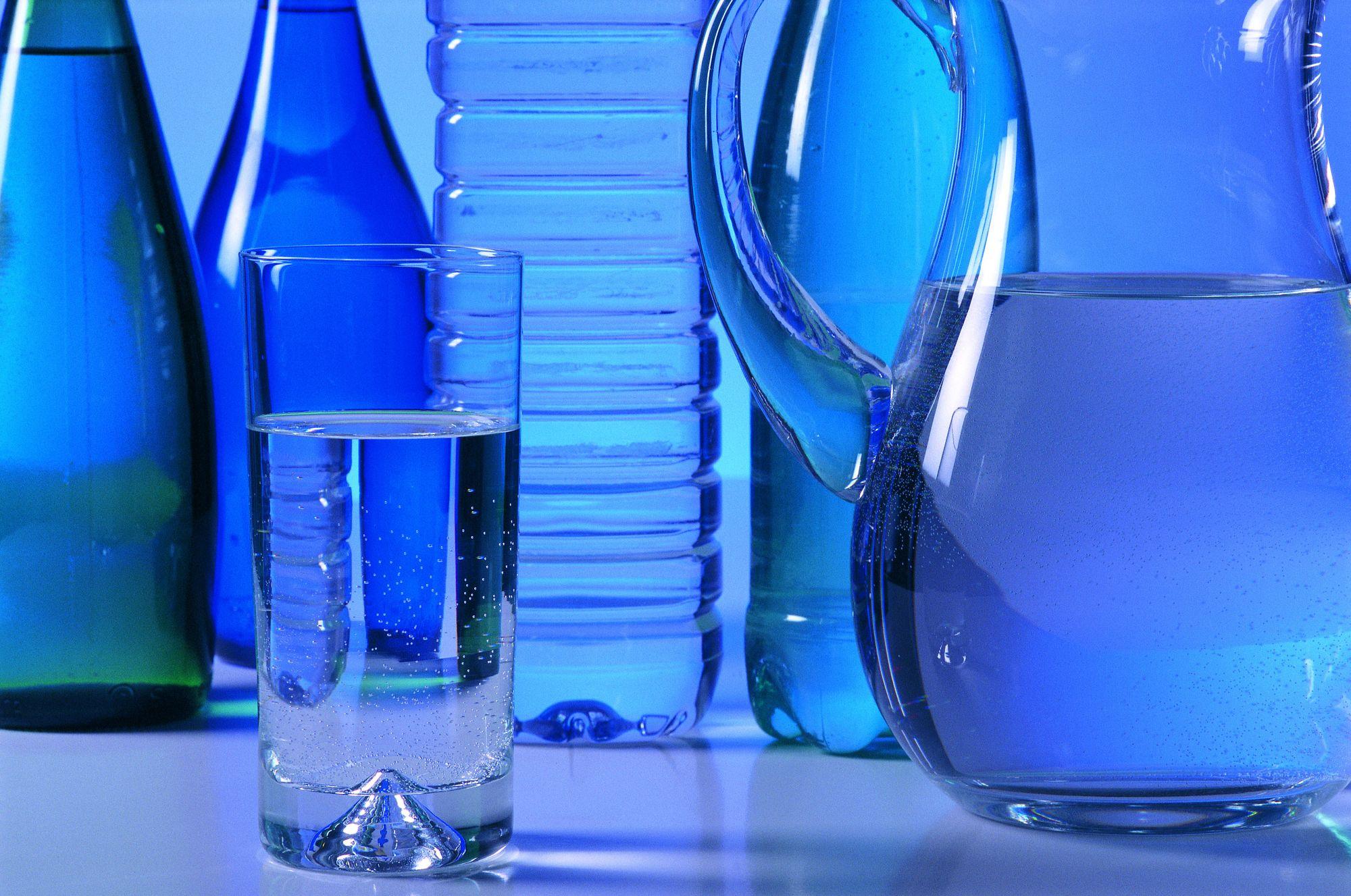 San benedetto investe nel sud italia imbottigliamento for Acqua design italia