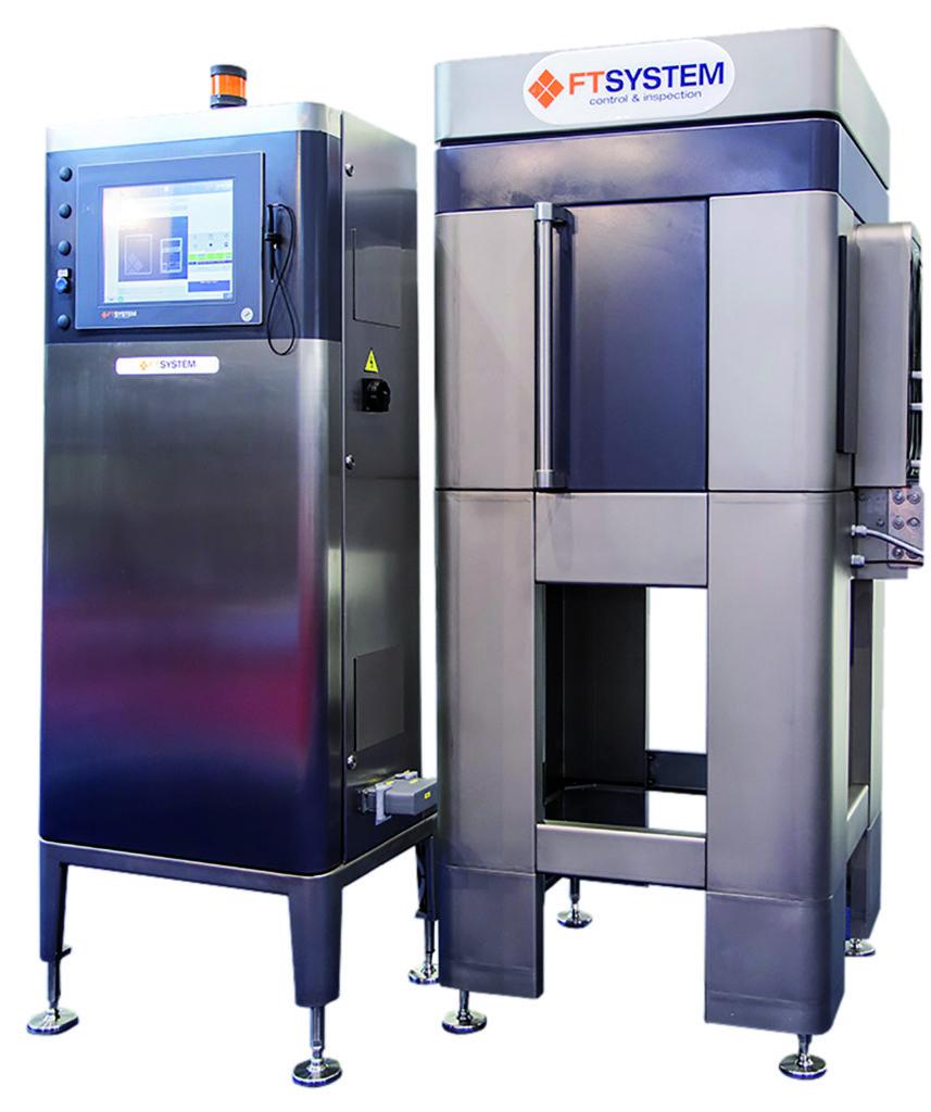 Il sistema IE4000 di FT System composto da quadro di controllo e camera oscura di ispezione