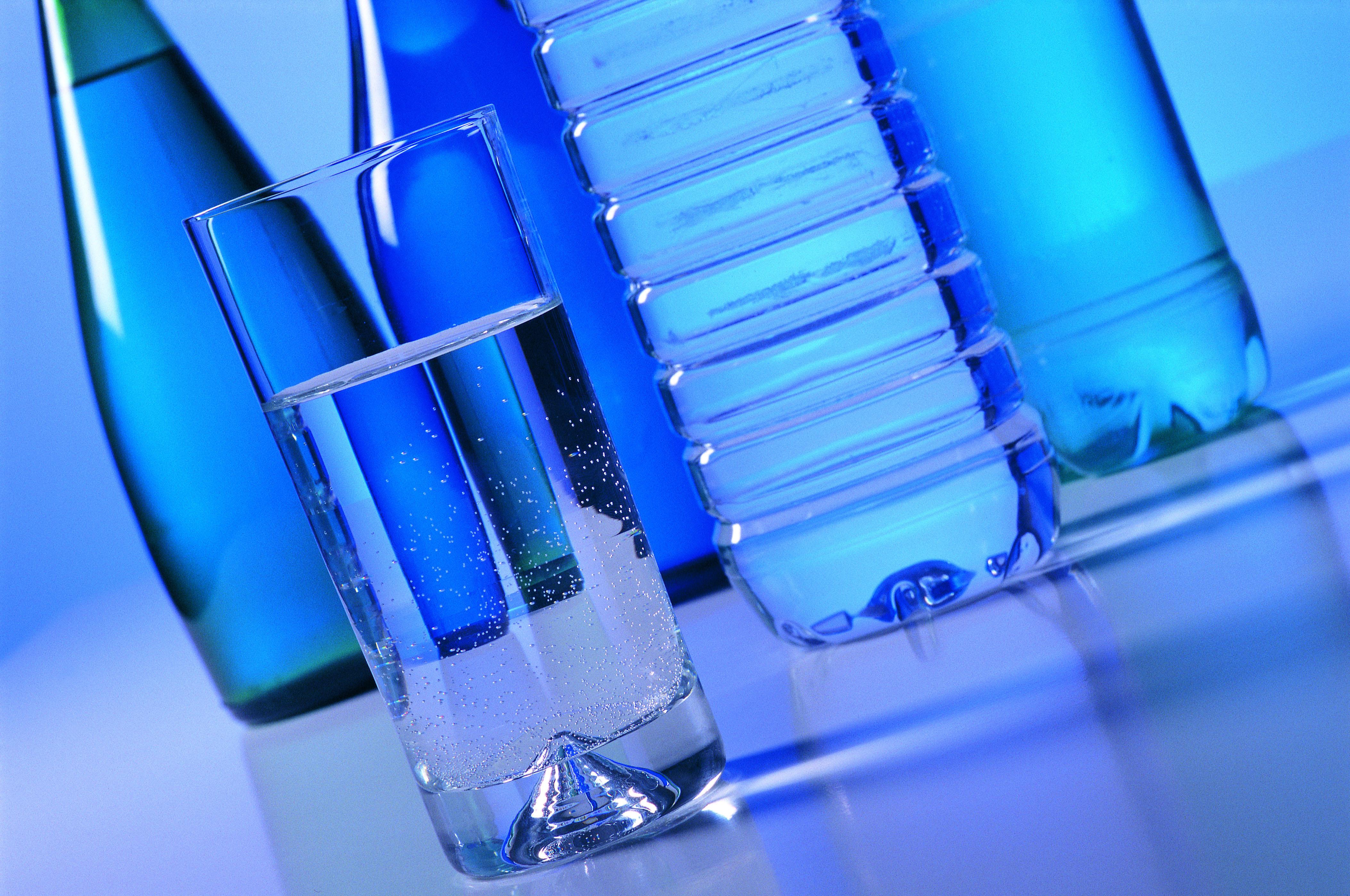 In Usa il consumo di acqua in bottiglia supera quello delle bibite