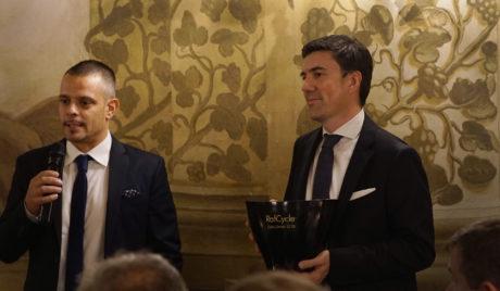 Andrea Bertucci di Brevetti Waf e Stefano Pistoni, Enduse Manager Beverage, Wine & Spirits EMEA di UPM Raflatac