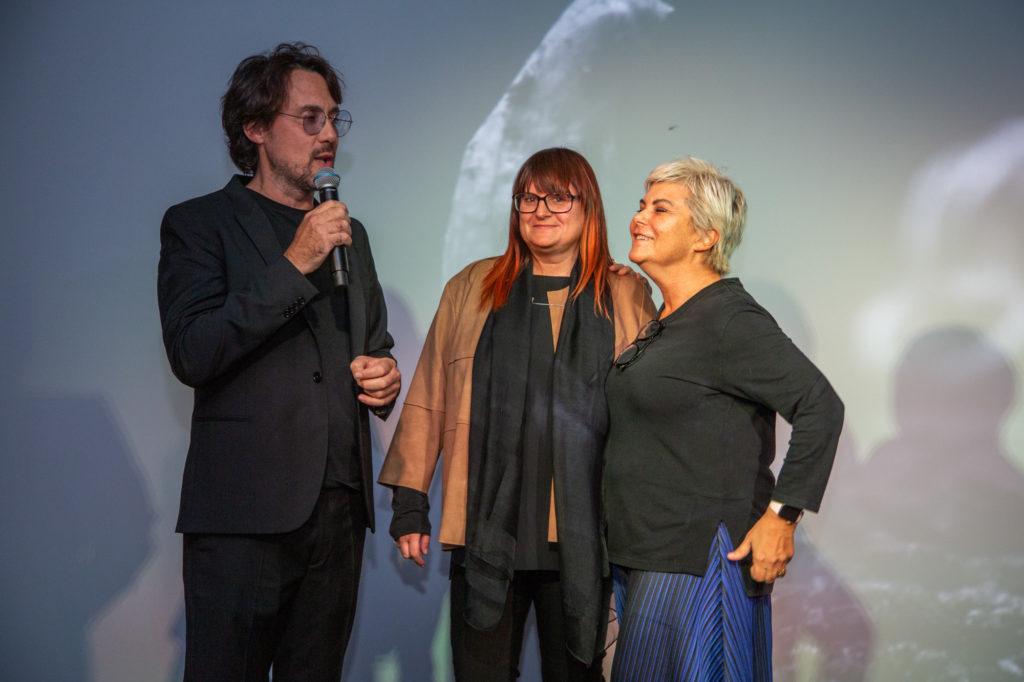 Mario Di Paolo con Chiara Tomasi e Jana Kokrhanek